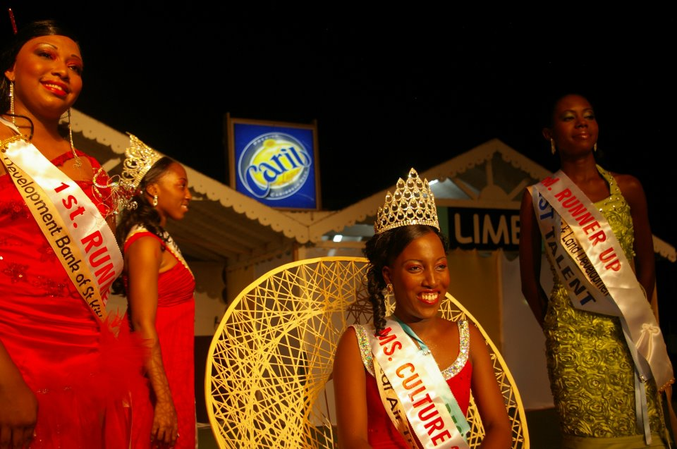 Ms. Culturama Queen, Denecia Smithen and her court