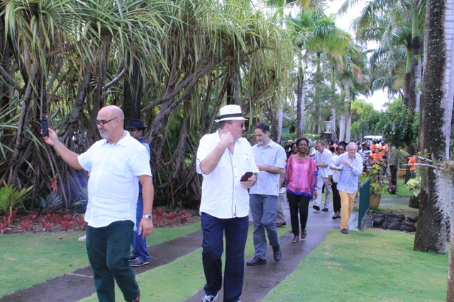 Diplomats arriving at the Botanical Gardens on April, 06, 2016, as part of the Ministry of Foreign Affairs' Diplomatic Week