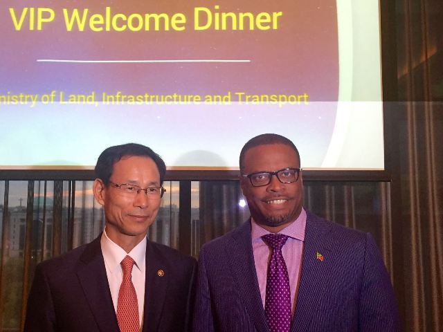 Minister of Aviation in St. Kitts and Nevis Hon. Mark Brantley with Republic of Korea official in Seoul on May 10, 2016