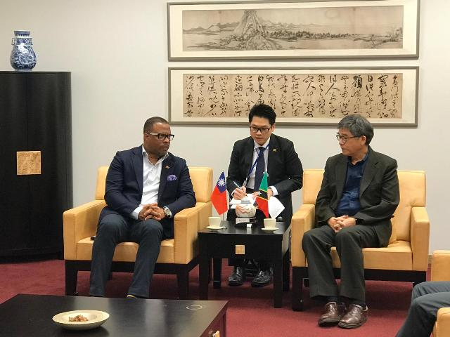 Hon. Mark Brantley, Minister of Foreign Affairs and Aviation in St. Kitts and Nevis and Premier of Nevis visiting the National Palace Museum in the Republic of China (Taiwan) on May 09, 2019