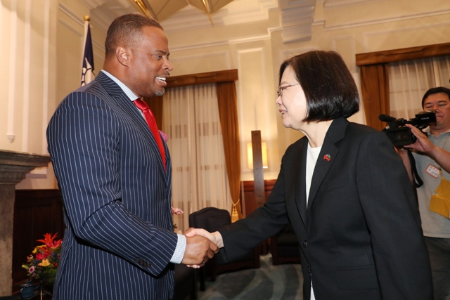 Hon. Mark Brantley, Minister of Foreign Affairs and Aviation in St. Kitts and Nevis and Premier of Nevis being received by Her Excellency Dr Tsai Ing-wen, President of the Republic of China (Taiwan)